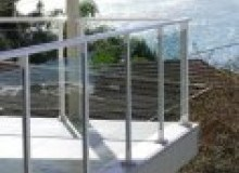 Kwikfynd Glass balustrading alva