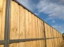 Kwikfynd Lap and Cap Timber Fencing alva